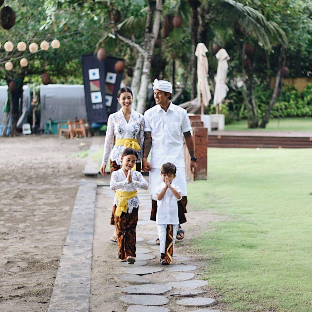 Pakaian Adat Tradisional Bali