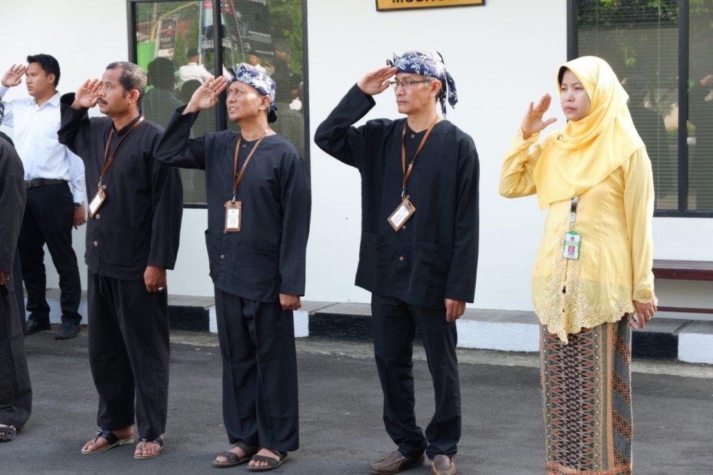 Pakaian Adat Tradisional Banten