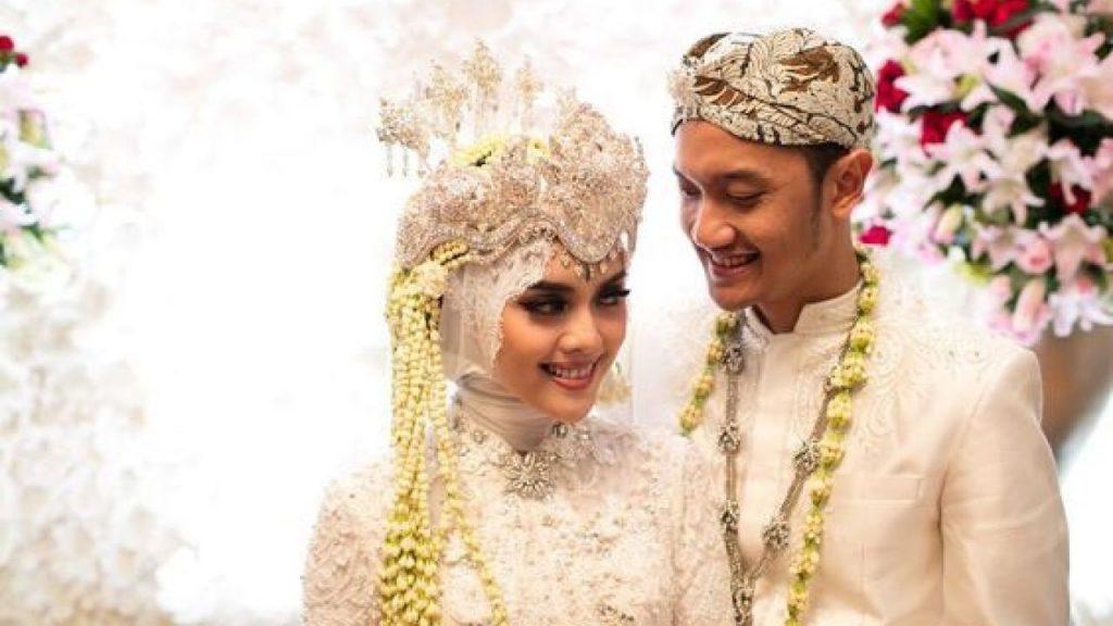 Pakaian Adat Tradisional Jawa Barat