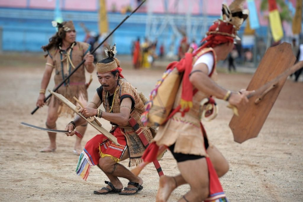 Pakaian Adat Tradisional Kalimantan Tengah