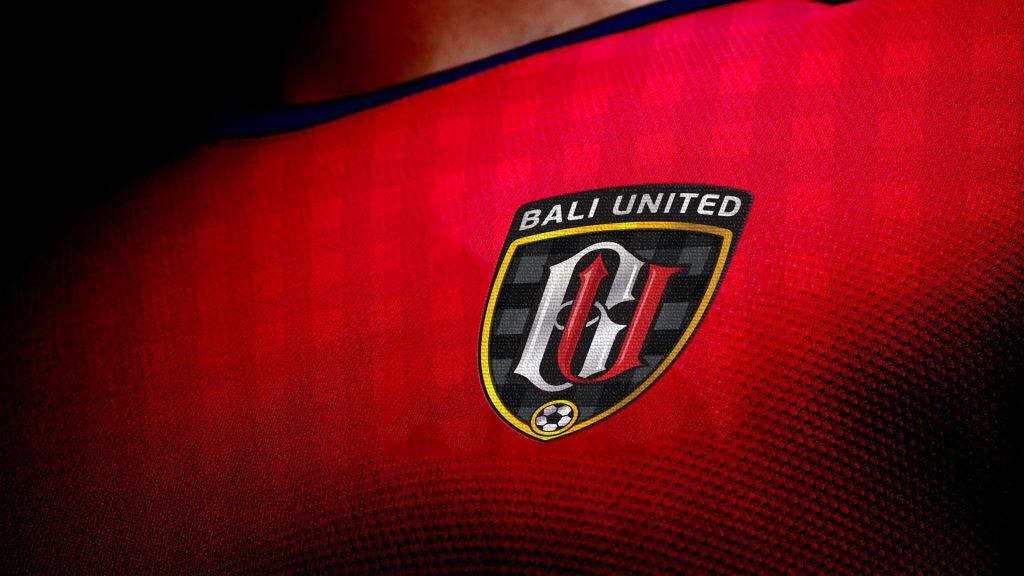Gambar Lambang Bali United di Dada